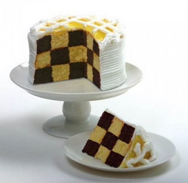 Фото Шахматный торт с глазурью