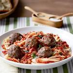 Спагетти с тефтелями в томатном соусе