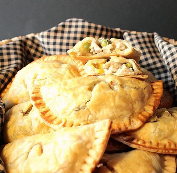 Фото Пирожки с курицей без дрожжей