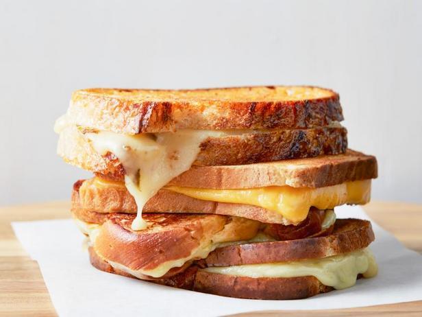 Фото Идеальный горячий сэндвич с сыром