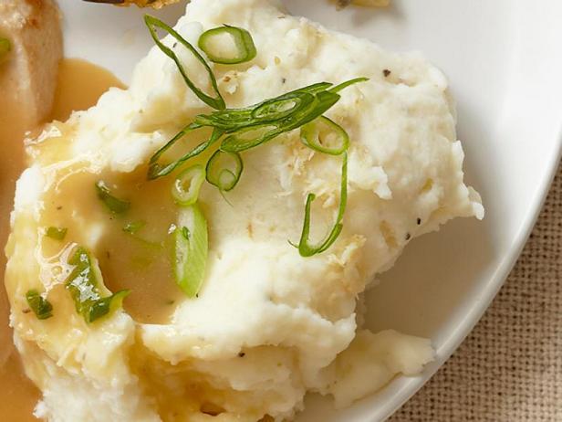 Фото Картофельное пюре с хреном и зелёным луком