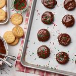 Печенье с арахисовой пастой в шоколадной глазури без выпечки