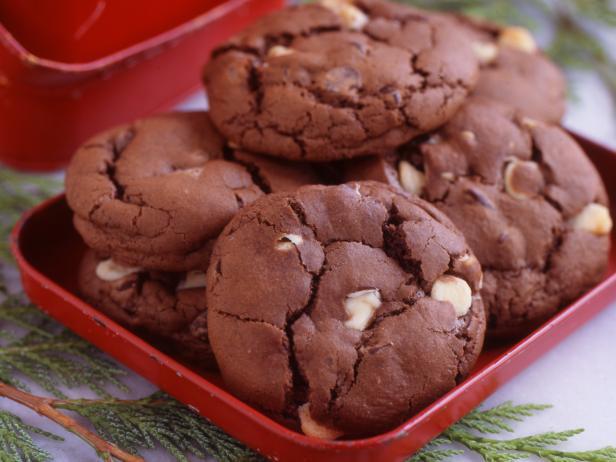Фото Печенье «Три шоколада» с гвоздикой