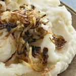 Толчёный картофель с луковым джемом