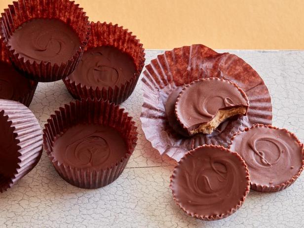 Фото Домашние шоколадные конфеты с начинкой из арахисовой пасты