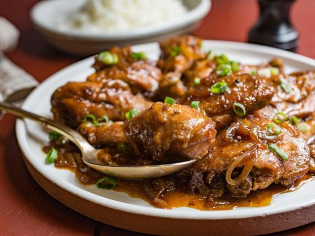 Фотография блюда - Адобо из курицы в мультиварке