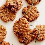 Безглютеновое печенье с арахисовой пастой и кусочками шоколада