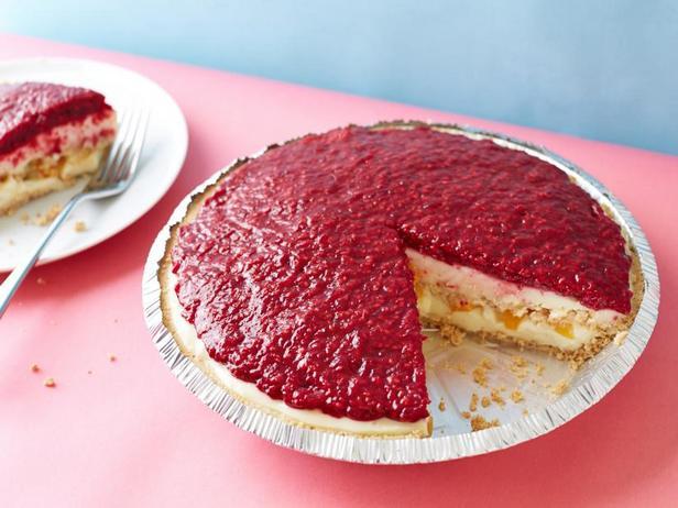 Фото Пудинговый пирог с персиком Мелба и печеньем Сникердудл