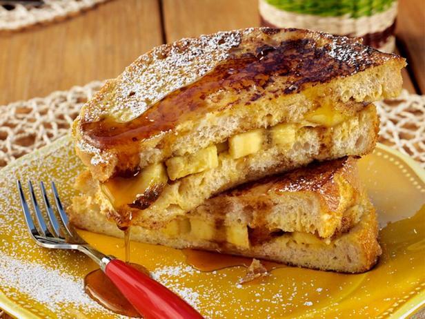 Фотография блюда - Панини из французских тостов с жареными на гриле бананами
