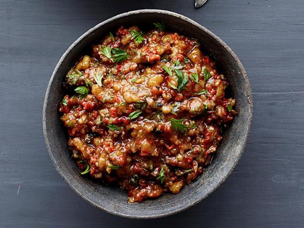 Фотография блюда - Спред из грецких орехов и печёного перца