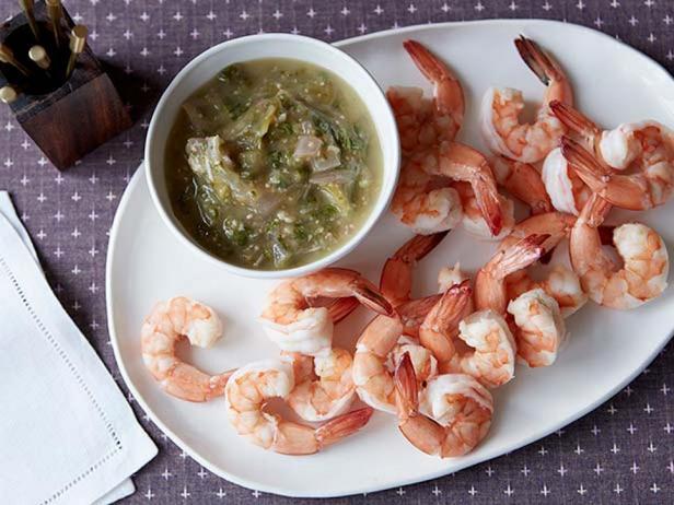 Фотография блюда - Коктейль из креветок с соусом из физалиса и хрена