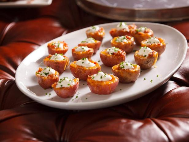 Фотография блюда - Картофельные лодочки с сыром