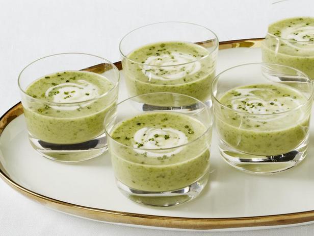 Фотография блюда - Закусочный суп из артишоков и лука-порея