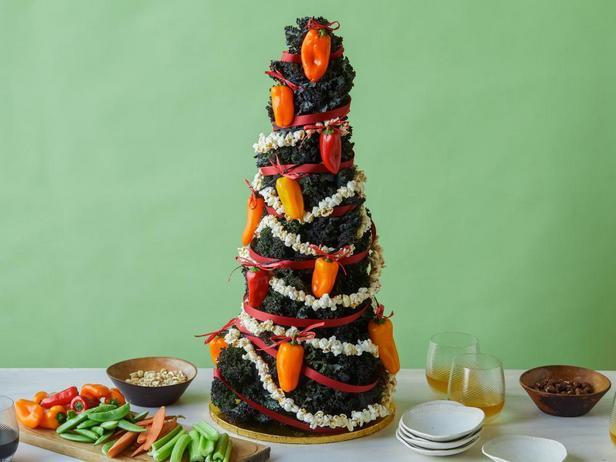 Фотография блюда - «Рождественская елка» с начиненными сыром перцами