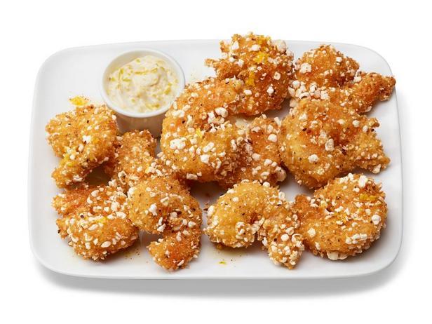 Фотография блюда - Креветки в панировке с добавлением попкорна
