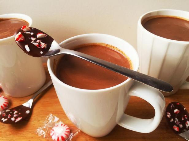 Ложки в шоколаде с мятными конфетами