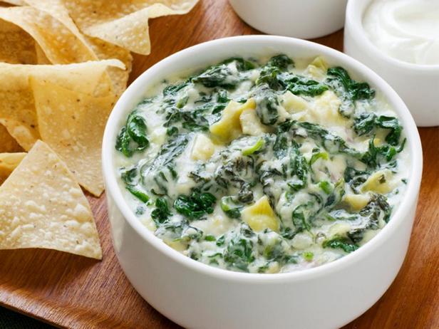 Фотография блюда - Американский дип-соус из шпината и артишоков