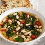 Суп из белой фасоли и мангольда
