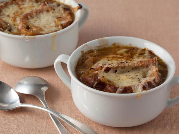 Фото Французский суп «Три лука»