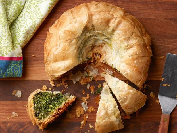 Фото блюда - Спанакопита в форме для кекса