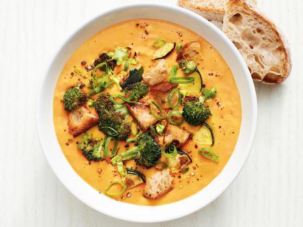 Фотография блюда - Морковно-имбирный суп пюре из печеных овощей