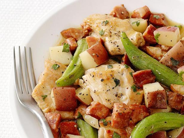 Фотография блюда - Рагу из картофеля и бамии с копчёностями