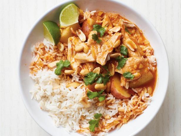 Фотография блюда - Курица с соусом карри, тушёная в медленноварке