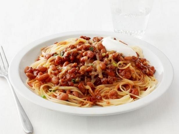 Фотография блюда - Спагетти с мясным соусом чили