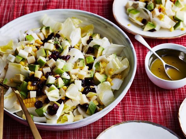 Фотография блюда - Лёгкий салат с яблоками и кукурузой