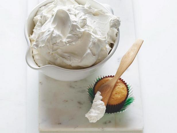 Фотография блюда - Белково-масляный крем на итальянской меренге