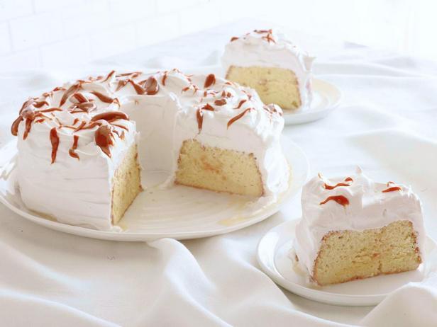 Фото блюда - Торт «Три молока» с глазурью Дульсе де лече