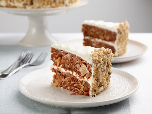 Фотография блюда - Морковный торт с ананасово-сырным кремом