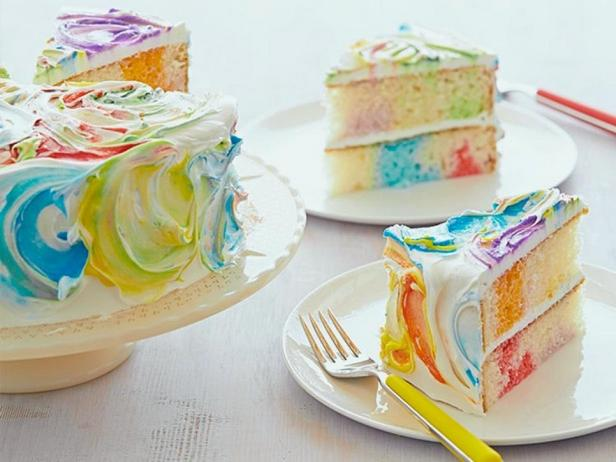 Фотография блюда - Радужный торт с цветной глазурью