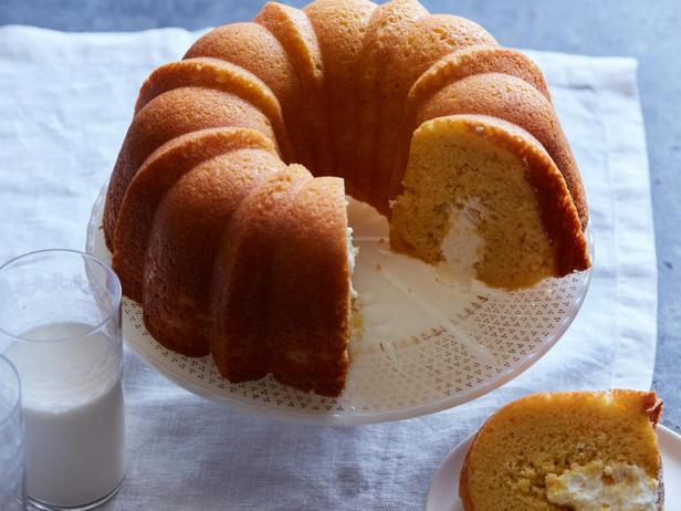 Фотография блюда - Кекс с кремом из маршмеллоу