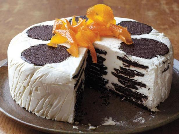 Фотография блюда - Торт-айсбокс с апельсиново-карамельными взбитыми сливками