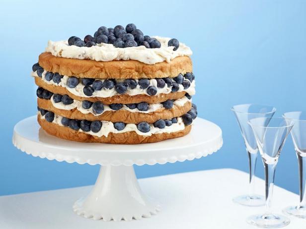Фотография блюда - Итальянский торт с кокосовым кремом и черникой