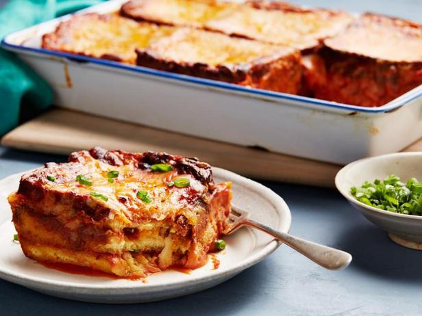 Фото блюда - Лазанья из сырных тостов и томатного супа