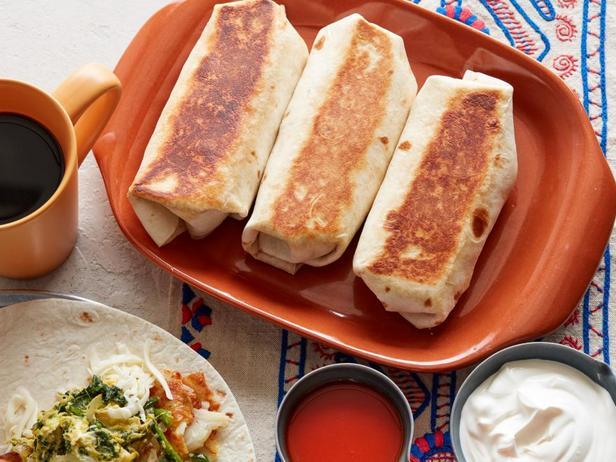 Фотография блюда - Буррито с начинкой из омлета