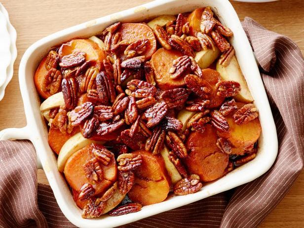 Фотография блюда - Запеченный батат с орехами в глазури