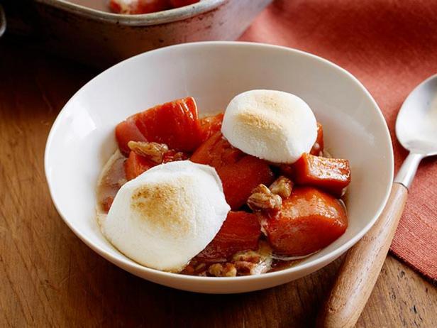 Фотография блюда - Картофельная запеканка из батата с маршмеллоу