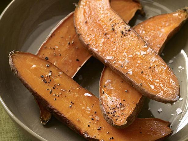Фотография блюда - Запеченный батат с соусом айоли
