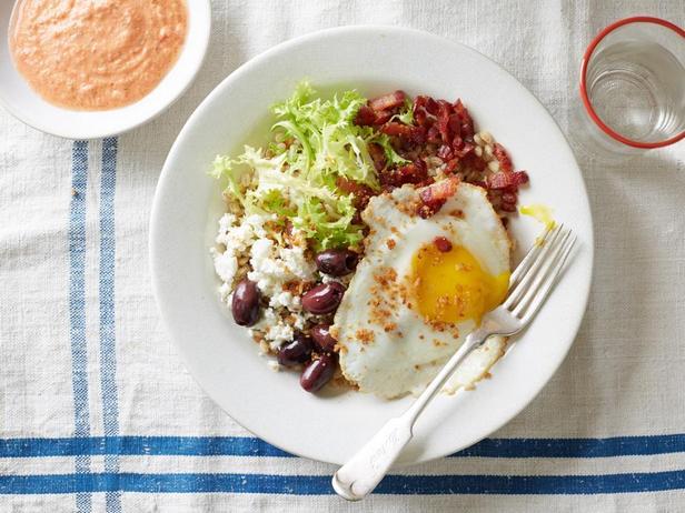 Фотография блюда - Боул из перловки и салата бистро