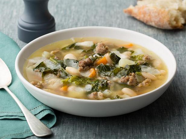 Фотография блюда - Фасолевый суп с фаршем и рапини