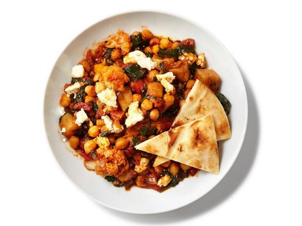 Фотография блюда - Тушеная с карри цветная капуста со шпинатом