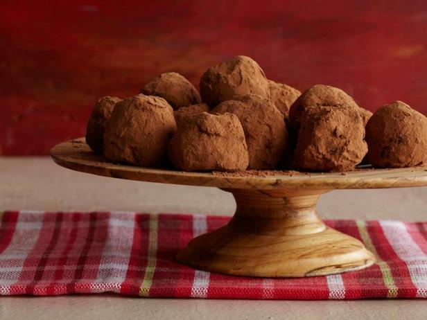 Фотография блюда - Трюфели из темного шоколада