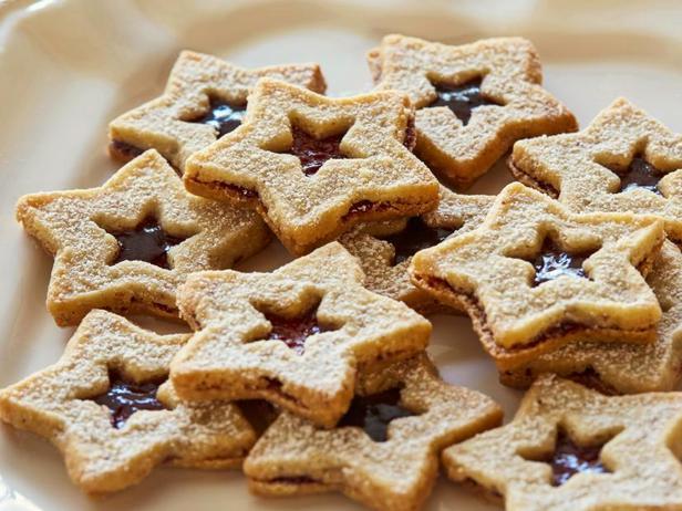 Фото блюда - Сэндвич-печенье «Линцер» звезды