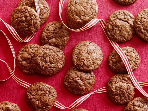 Фото блюда - Шоколадное печенье-брауни с орехами