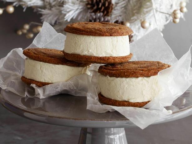 Фотография блюда - Имбирное сэндвич печенье с мороженым