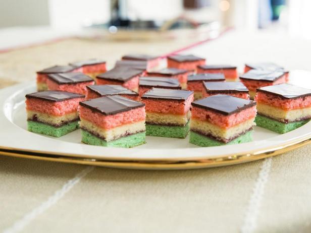 Фотография блюда - Миндальное пирожное «Итальянский Триколор»