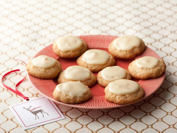 Фотография блюда - Печенье с кокосом и орехами макадамия